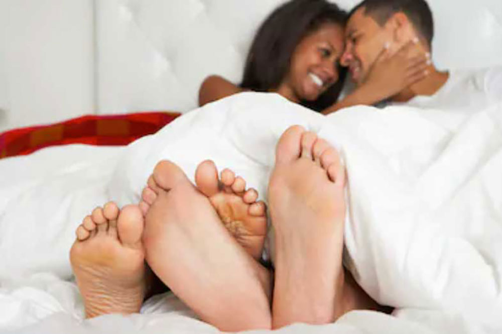 How to talk about the big o - a loving couple in bed